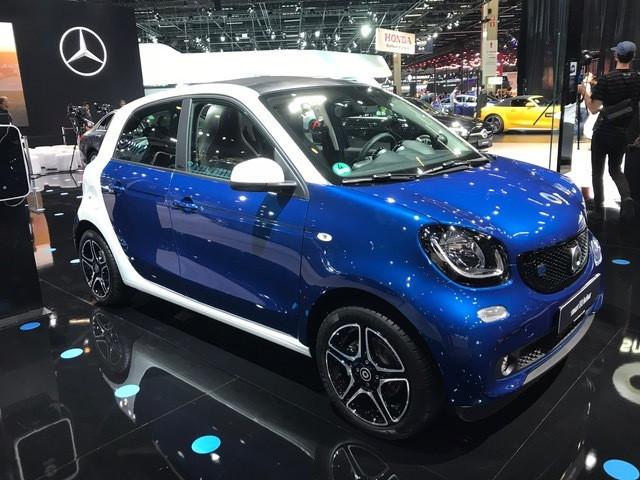 EQ smart forfour é a proposta de mobilidade urbana da Mercedes-Benz, sem planos, ainda, para o Brasil