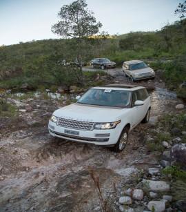 Comboio de Range Rover Vogue desbrava a Chapa dos Veadeiros