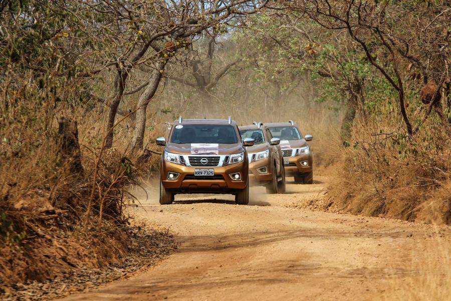 Caravana de Nissan Frontier percorreu mais de 400 quilômetros pelos sítios arqueológicos de Minas Gerais.