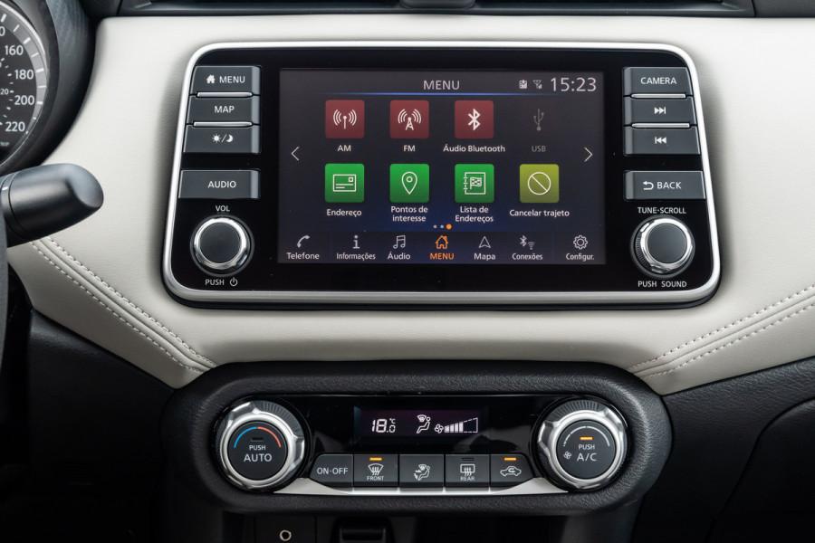 Tecnologia da conectividade do Versa está agora à altura das mais avançadas soluções do setor automotivo.