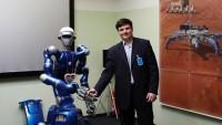 Com a ajuda de robôs