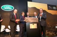 Land Rover começa sua fábrica no Brasil